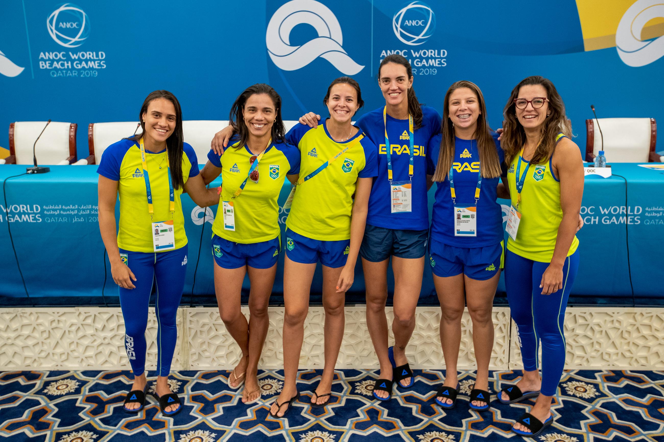 Equipe brasileira estreia na modalidade 4x4 do vôlei de praia neste sábado
