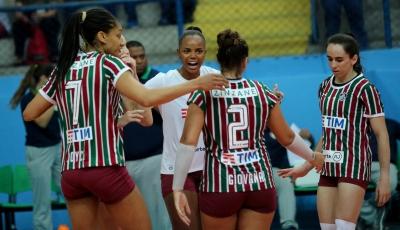 Fluminense duela com Pinheiros na abertura do returno