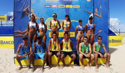 Karol/Ágatha (SE) e Gustavo/Gabriel (RJ) levam título da segunda etapa