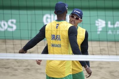 Oscar e Thiago caem para atuais campeões nas quartas de final
