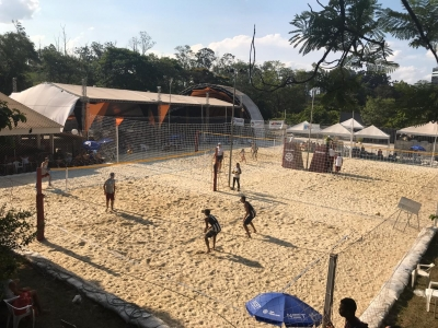 Primeiro dia conta com 36 partidas e 96 atletas em ação em Volta Redonda