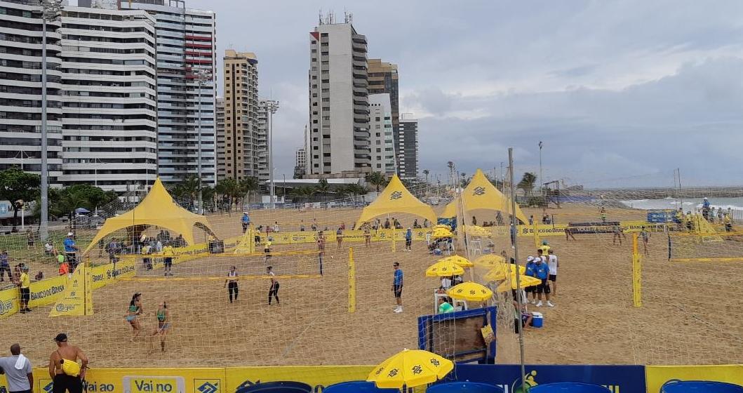 Quartas de final são definidas e duplas da casa avançam em Fortaleza