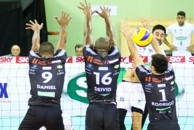 Sada Cruzeiro vence no encerramento da rodada
