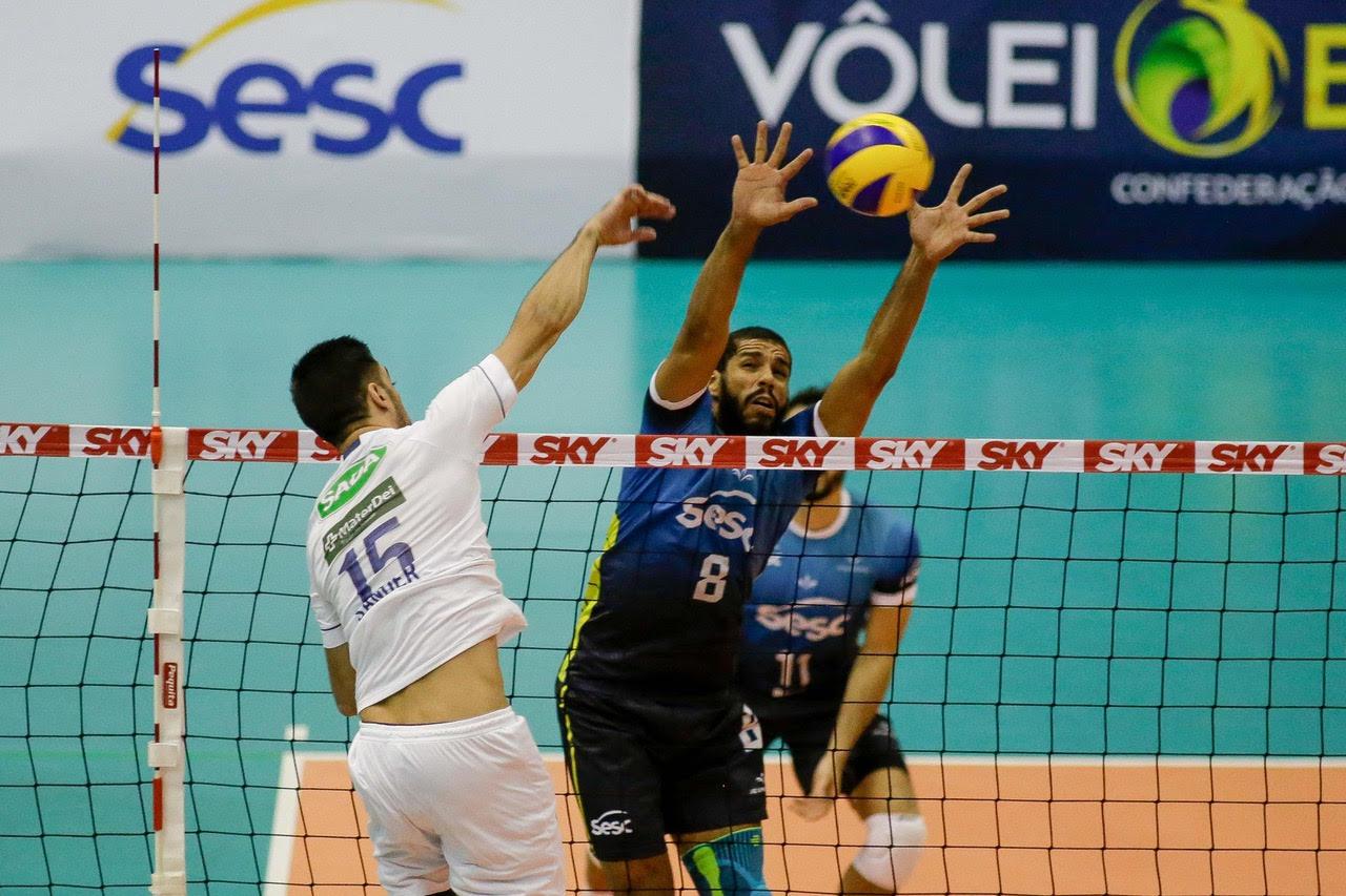 Sada Cruzeiro vira o jogo e vence o Sesc RJ