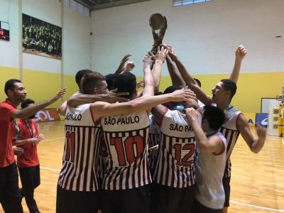 São Paulo vence e fica com o título