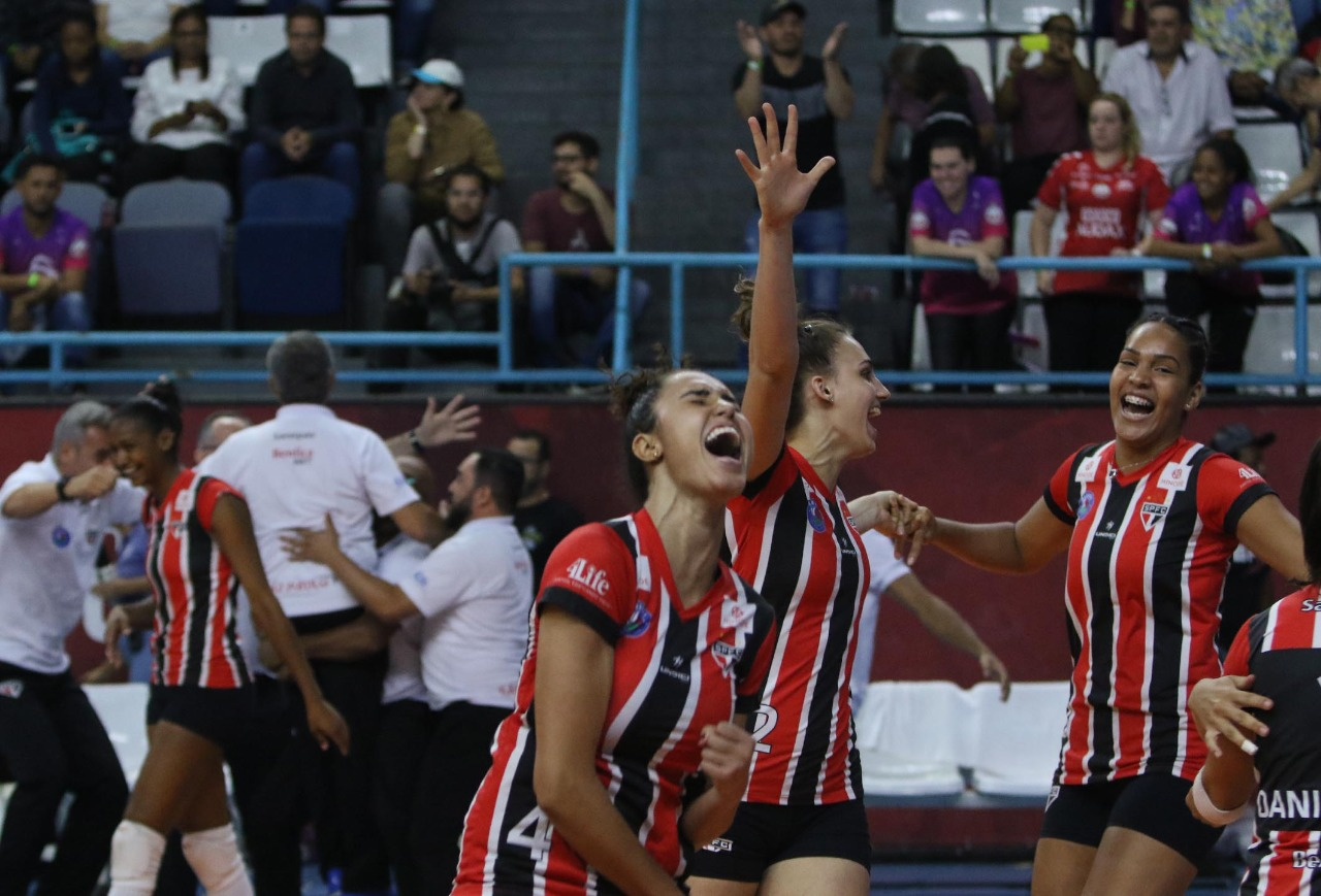 São Paulo/Barueri e Sesc RJ fazem confronto de campeões estaduais