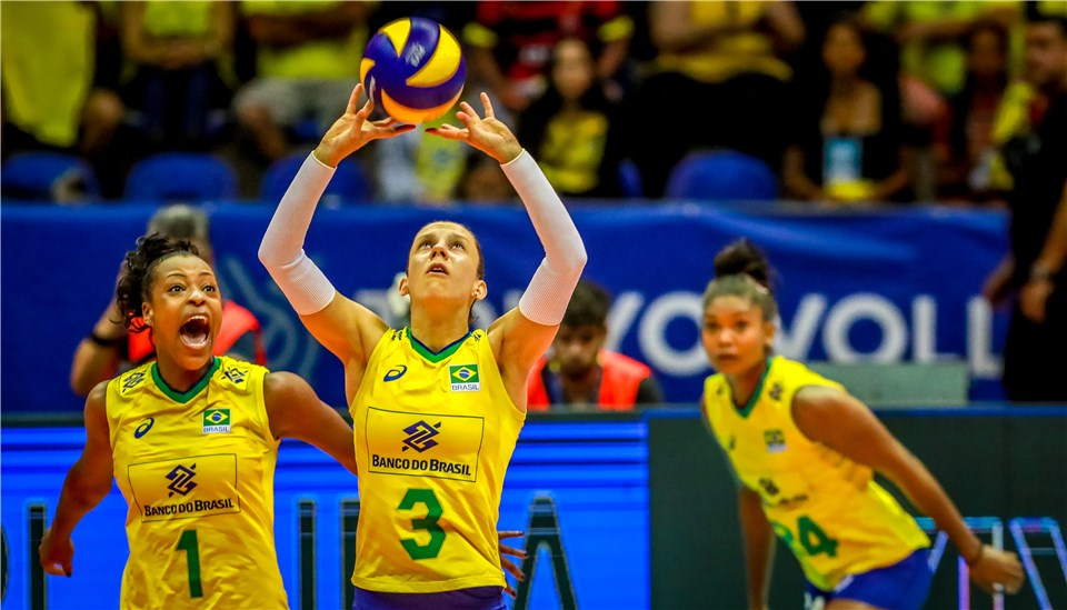 Seleção feminina embarca neste domingo para Lima