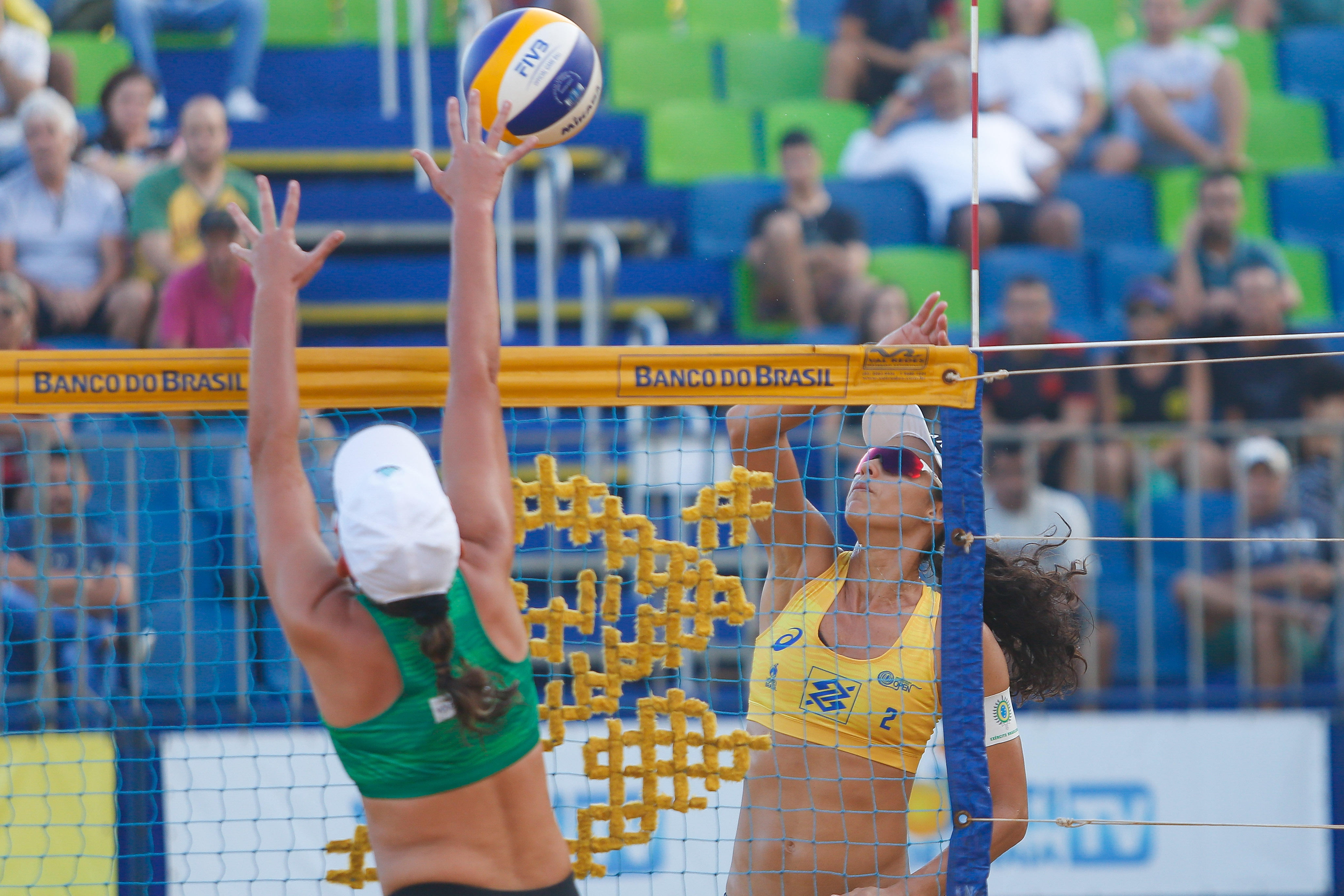 Semifinais definidas no torneio feminino em Vila Velha