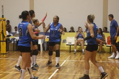 Superball (MG) faz grande jogo, supera Botafogo e vai buscar o bi no 35+ feminino