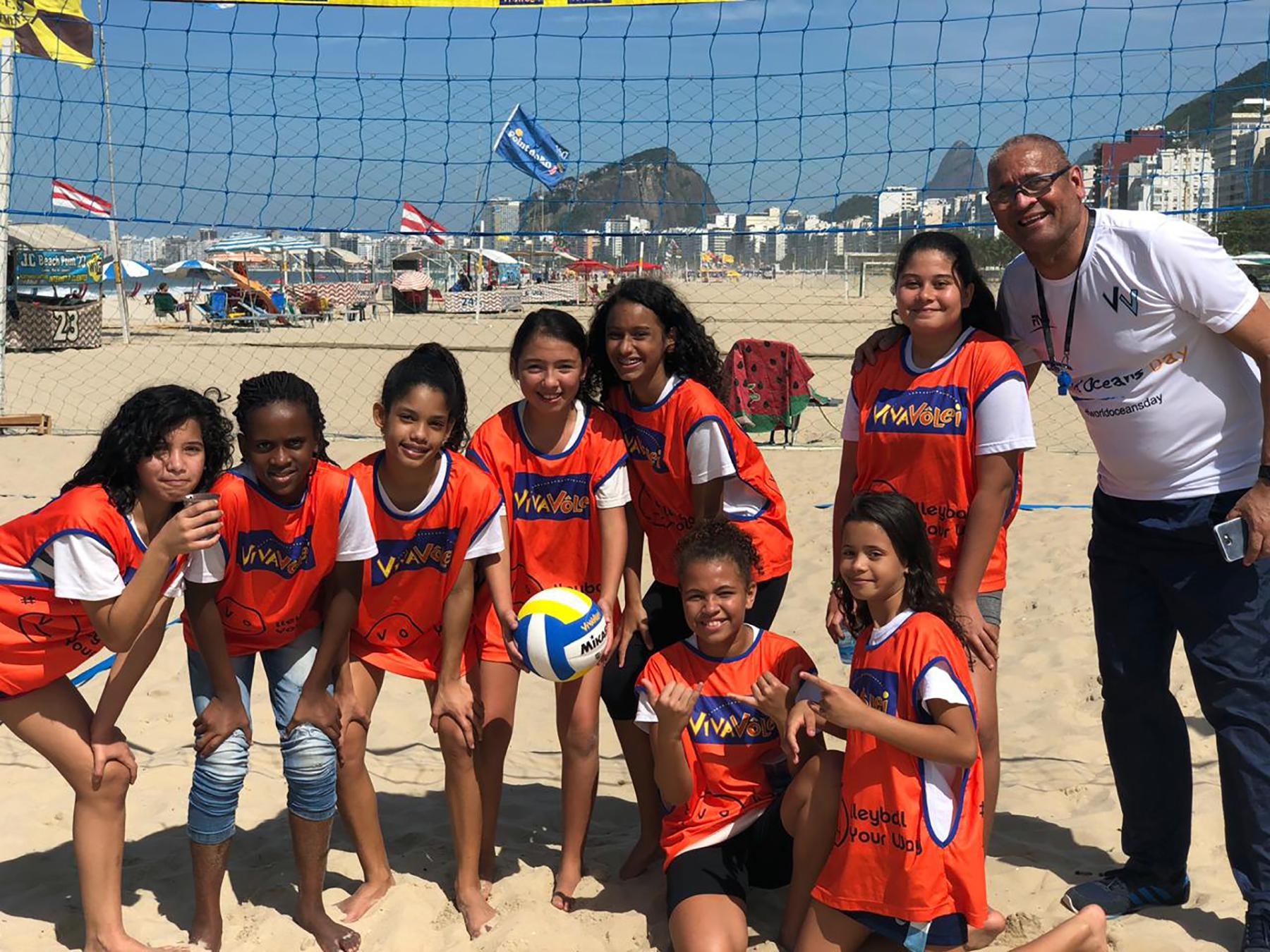 Torneio entre núcleos cariocas agita as areias da praia do Leme