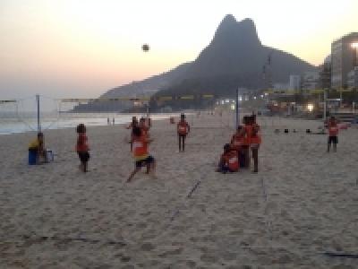 Vôlei participa do projeto Curta, Praia