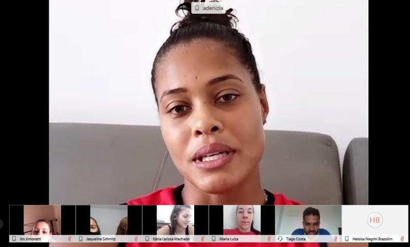 Adenízia compartilha experiências com atletas da seleção brasileira sub-20