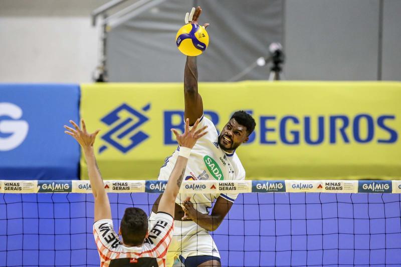 Campo Grande recebe EMS Taubaté Funvic e Sada Cruzeiro para disputa pelo título