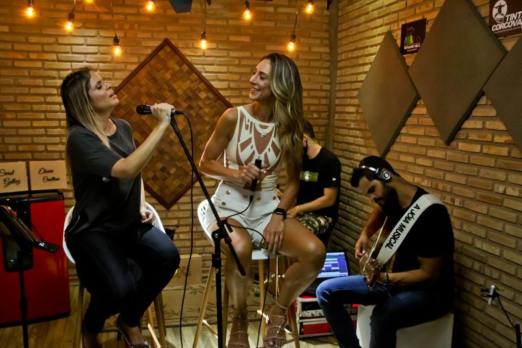 Carol Cattaz participa de live e ajuda na arrecadação de mais de R$ 10 mil em doações