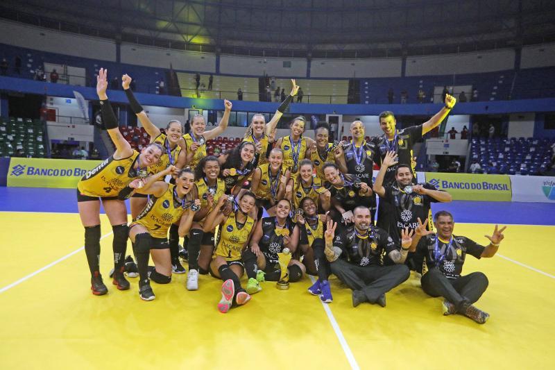 Dentil/Praia Clube vence o Sesc RJ Flamengo e é campeão