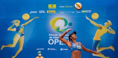 Fase eliminatória definida e primeira vitória de Paula Pequeno marcam a sexta