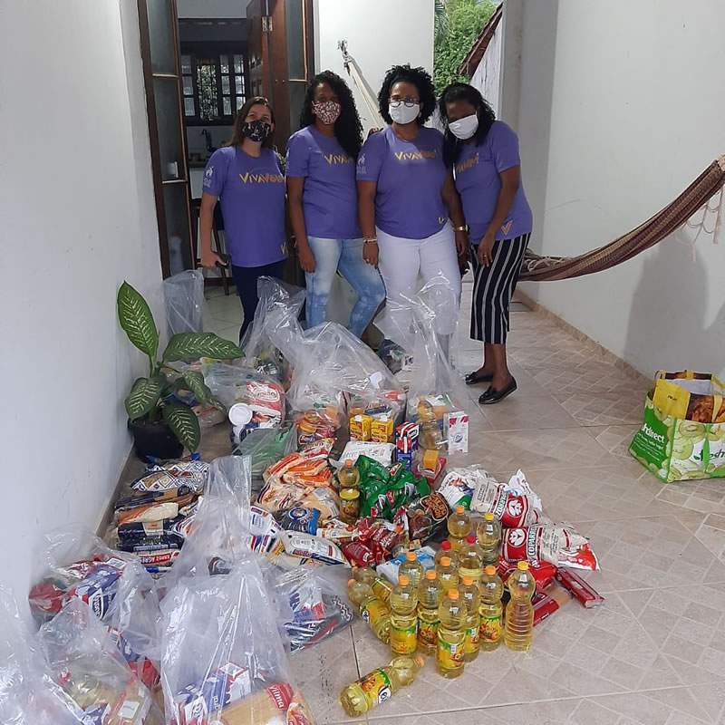 Instituto VivaVôlei distribuiu cestas básicas para famílias de alunos