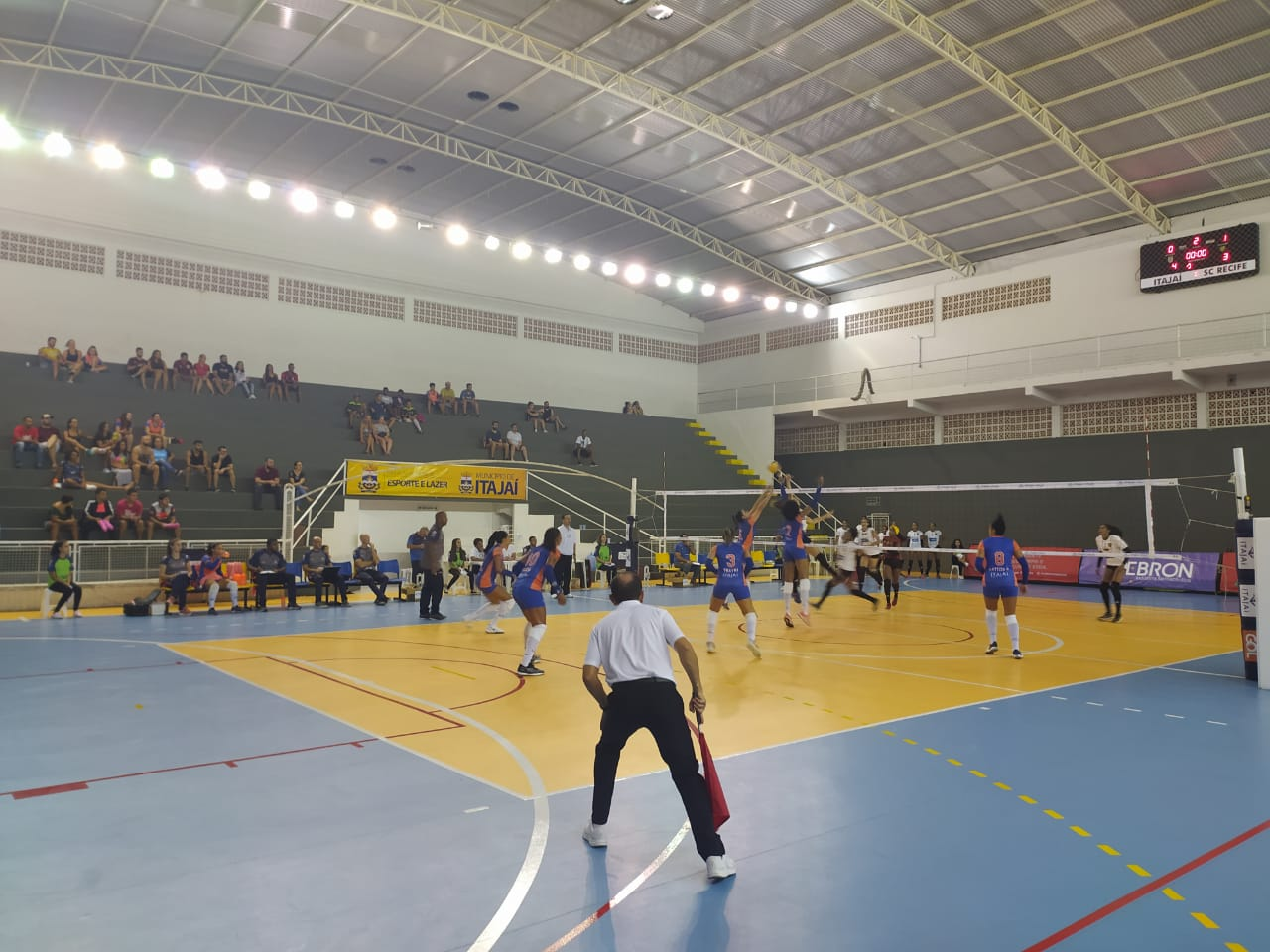 Itajaí Vôlei e Bradesco Esportes jogam nesta quarta-feira