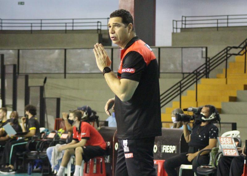 No comando do Sesi-SP, Marcelo Negrão estreia em competições nacionais em BH