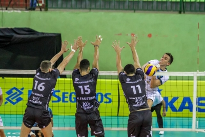 Pacaembu/Ribeirão Preto supera Denk Academy Maringá Vôlei