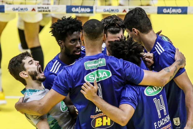 Sada Cruzeiro estreia com vitória sobre o Vedacit/Vôlei Guarulhos