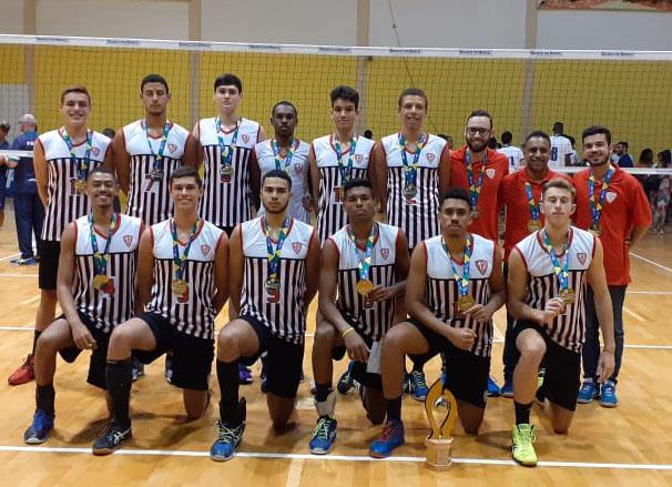 São Paulo comemora título com vitória sobre o Rio de Janeiro