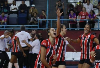 São Paulo/Barueri duela com Dentil/Praia Clube nesta terça-feira
