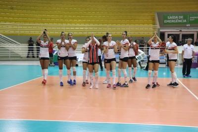 São Paulo/Barueri duela com Valinhos nesta sexta-feira
