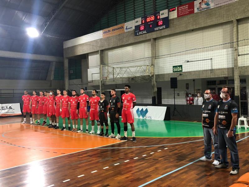 SMEL ASPMA Berneck derruba último invicto e assume a ponta da Superliga C em Joinville