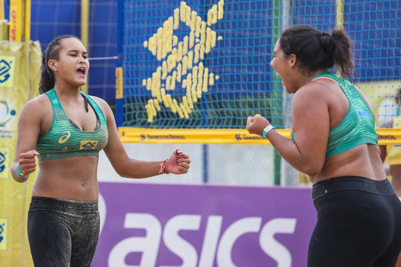 Vizinhas de treino, Beatriz e Maria Fernanda comemoram privilégio de enfrentar olímpicas Ágatha e Duda