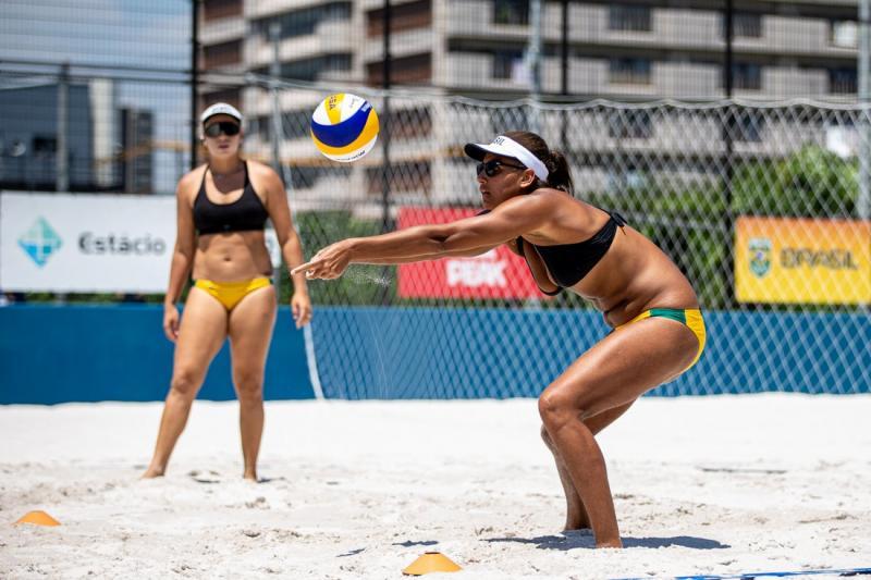 Ana Patrícia e Rebecca enfrentam dupla queniana na estreia olímpica