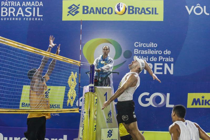 Após 32 partidas, sétima etapa masculina tem quartas de final definidas