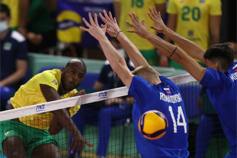 Brasil é superado pela Rússia na estreia da competição