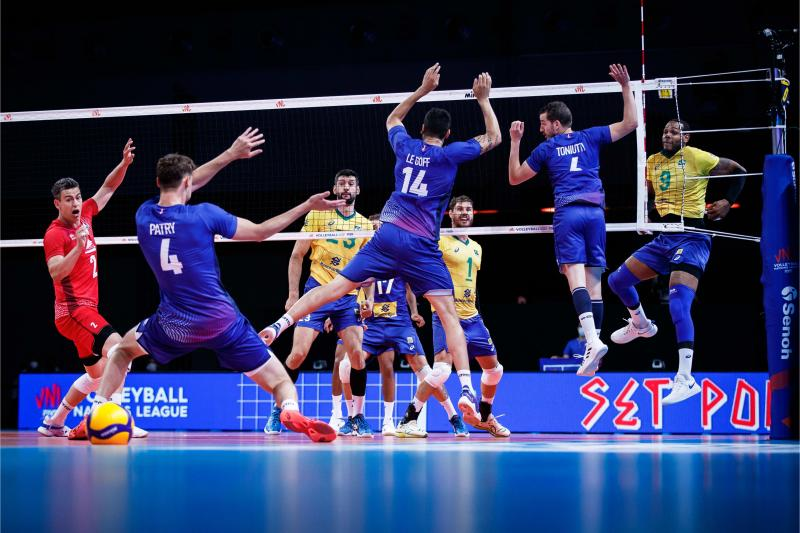 Brasil enfrenta a França por um lugar na decisão masculina