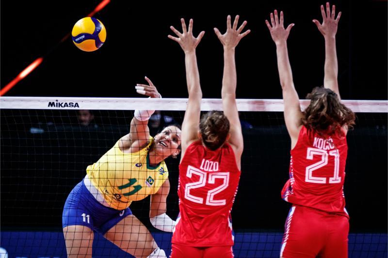 Brasil estreia na terceira semana com mais uma vitória