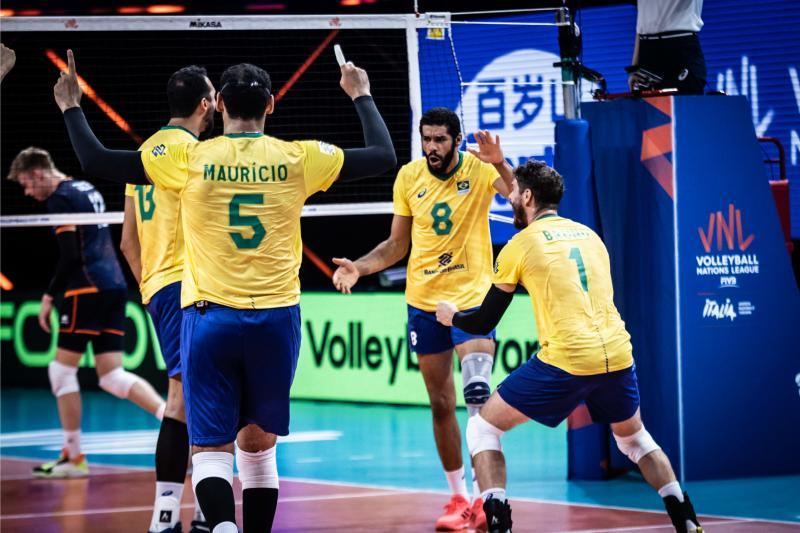 Brasil faz primeiro jogo da quarta etapa contra Eslovênia