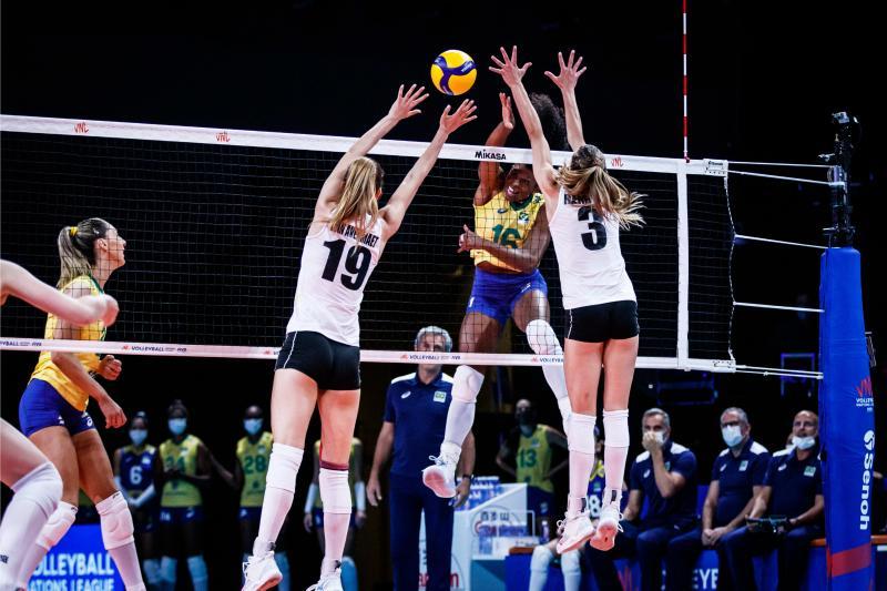 Brasil passa pela Bélgica e assume segundo lugar