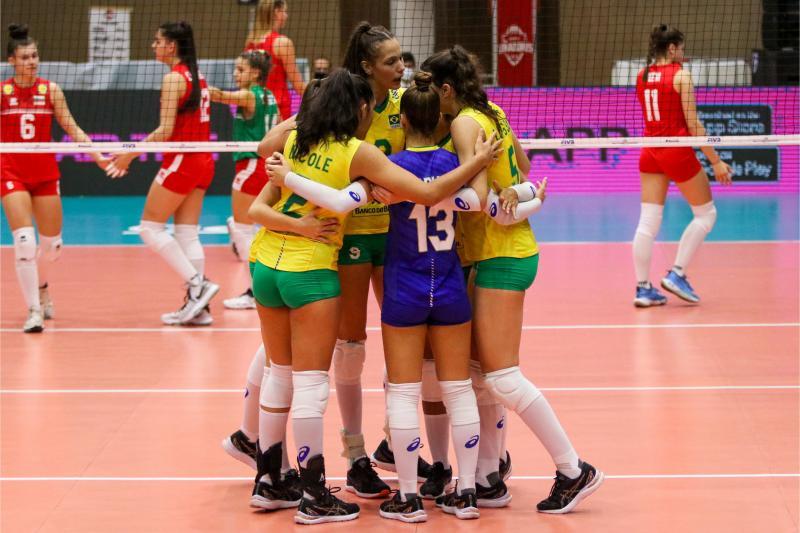 Brasil vence Bulgária e encerra fase de classificação com vitória