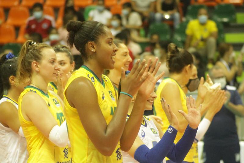 Brasil vence Chile e mantém a invencibilidade