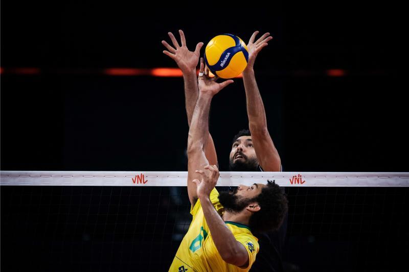 Brasil vence Irã e mantém primeiro lugar