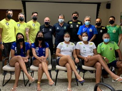 Chefe de missão do Brasil em Tóquio visita o CDV e conversa com times olímpicos femininos