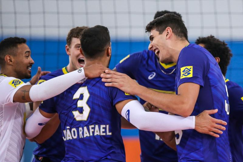 Com novo time titular, Brasil volta a vencer a Venezuela