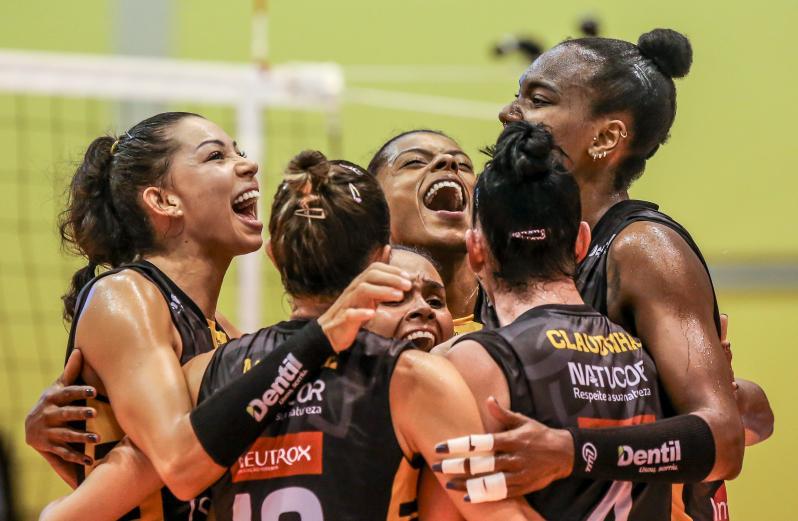Dentil/Praia Clube vence Osasco São Cristóvão Saúde e está na final