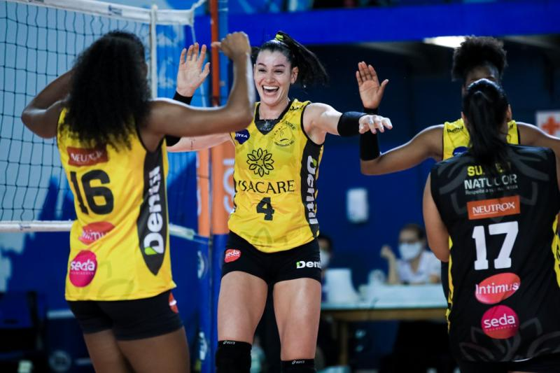 Dentil/Praia Clube vence Pinheiros em sets diretos
