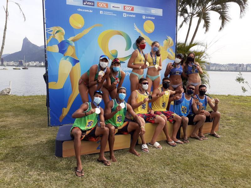 Dobradinha carioca leva o ouro na terceira etapa