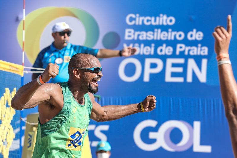 Fase de grupos da oitava etapa Open masculina é definida após qualifying