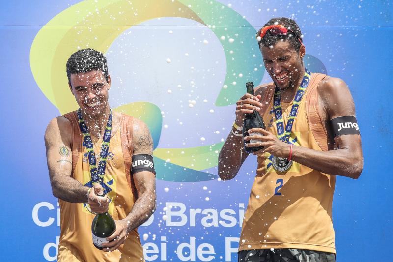 Guto e Arthur Mariano conquistam o primeiro ouro da dupla