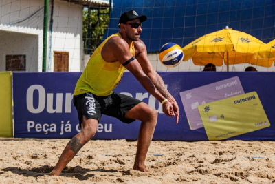 Léo Gomes vive reviravolta e comemora boa fase no esporte