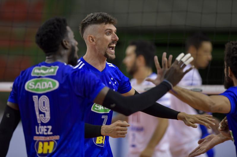 Líder, Sada Cruzeiro faz clássico mineiro contra Montes Claros América Vôlei