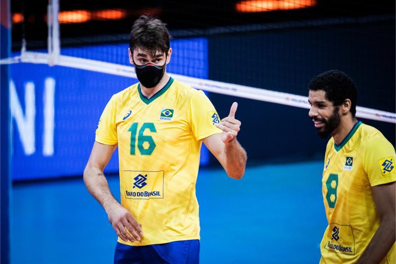 Na estreia de Lucão, Brasil vence Itália e está na semifinal